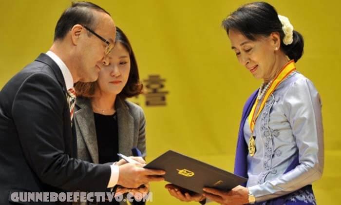 พรรคของอองซานซูจี ได้รับเสียงข้างมากในการเลือกตั้ง พรรคสันนิบาตแห่งชาติเพื่อประชาธิปไตย (NLD) ของเมียนมาร์มีที่นั่งในรัฐสภาเพียงพอ