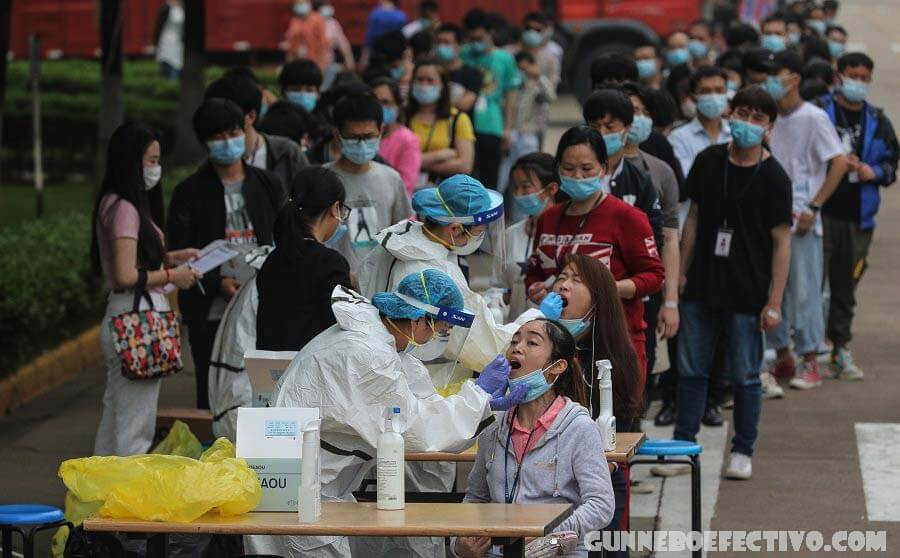 ไทยทดสอบ หลายพันครั้งหลังไวรัสระบาดในตลาด หลังจากหลายเดือนของการหลีกเลี่ยงการเพิ่มขึ้นของกรณีที่เพื่อนบ้านพบเห็นประเทศไทยได้รับผลกระทบ