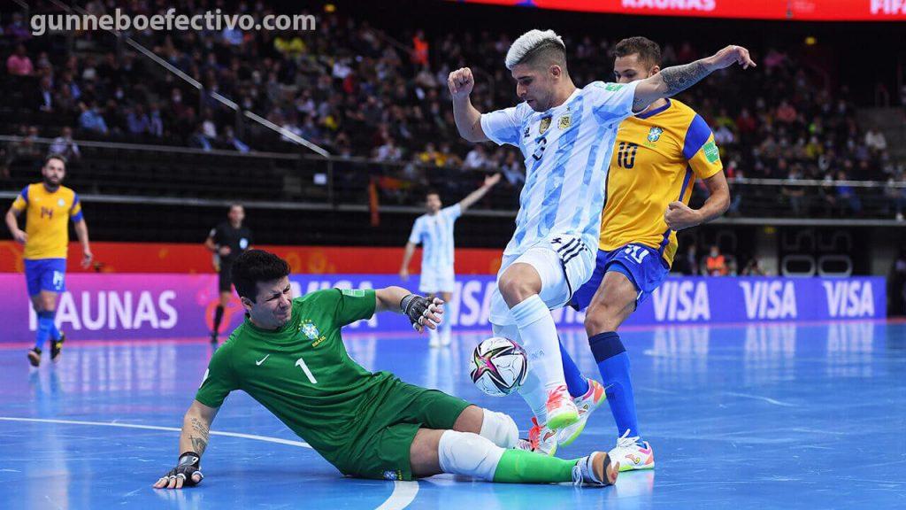 อาร์เจนตินา เฉือน บราซิล 2-1 เข้าชิงชนะเลิศฟุตซอลโลก ครั้งที่ 2 ติดต่อกัน อาร์เจนตินา แชมป์เก่า ผ่านเข้าไปชิงชนะเลิศเป็นครั้งที่ 2 ในประวัติศาสตร์